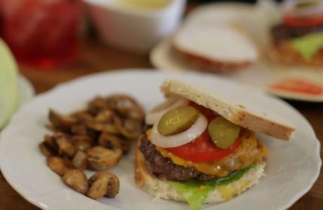 ההמבורגר של מתן אברהמס